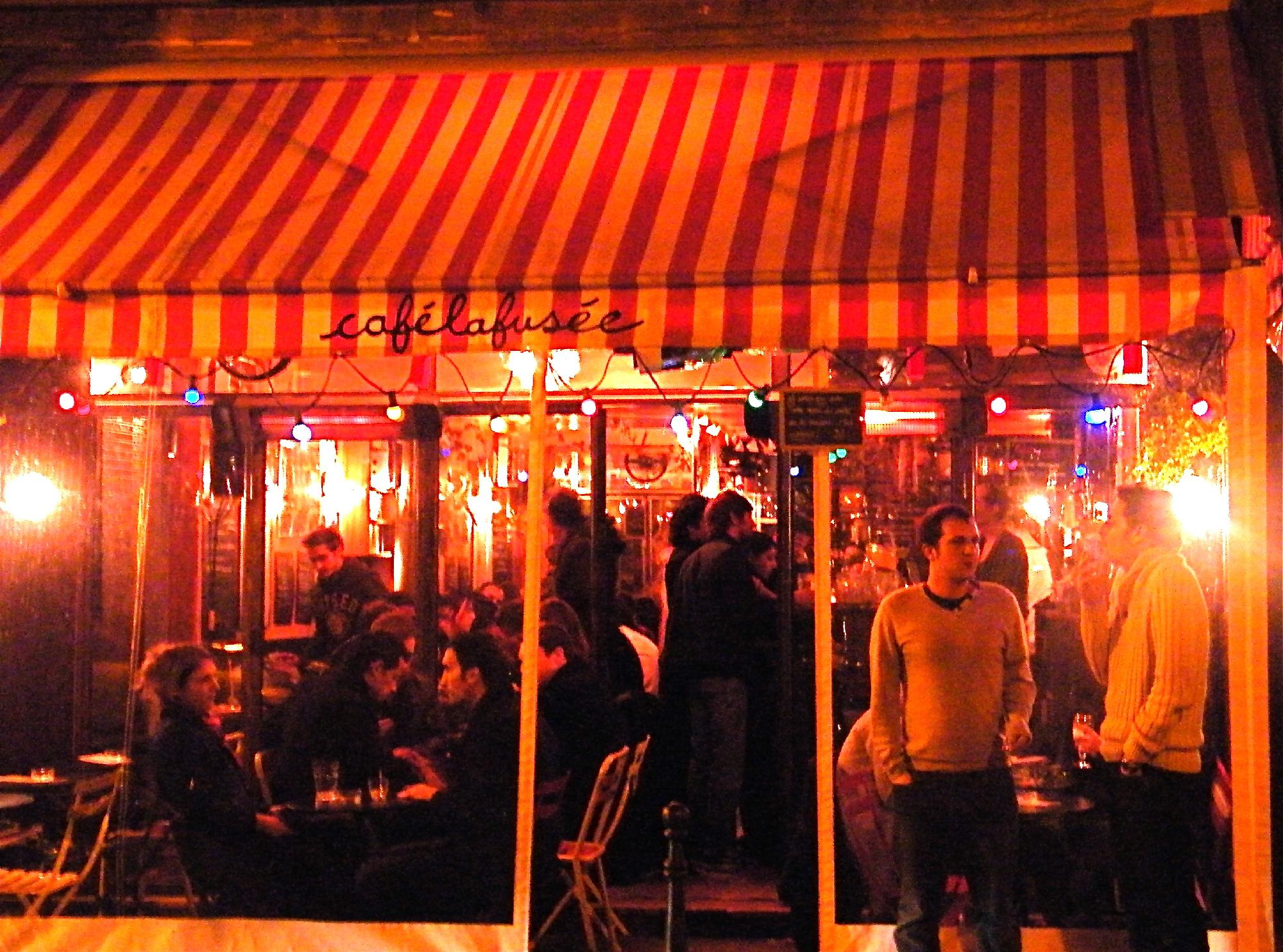 café thé vin charcuterie fromage live bar la fusée beaubourg terrasse concert jazz musique verre pâtisserie centre pompidou chaleureux ambiance