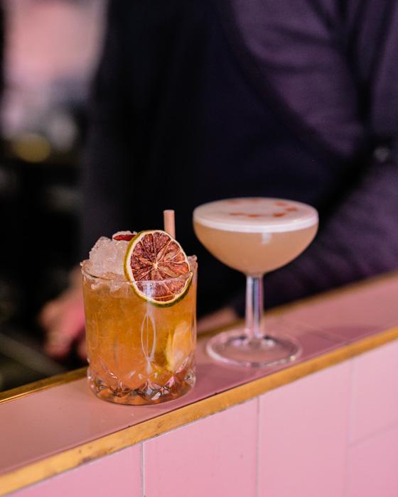 la loutre bar paris 11 cocktails pas chers paris happy hour pas cher paris 11e bastille happy hour pas cher