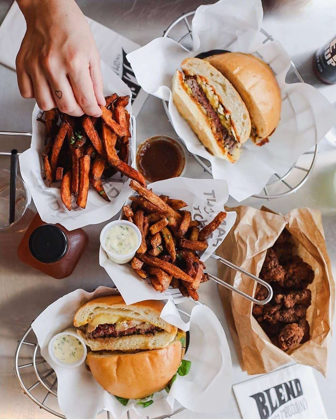 meilleur burger de paris blend paris restaurant burger paris blend madeleine blend charonne beaumarchais odeon blend burger livraison blend brunch
